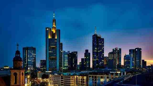 الدراسة والعيش في فرانكفورت الألمانية