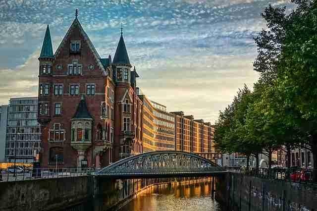 الدراسة والعيش في مدينة هامبورغ الألمانية