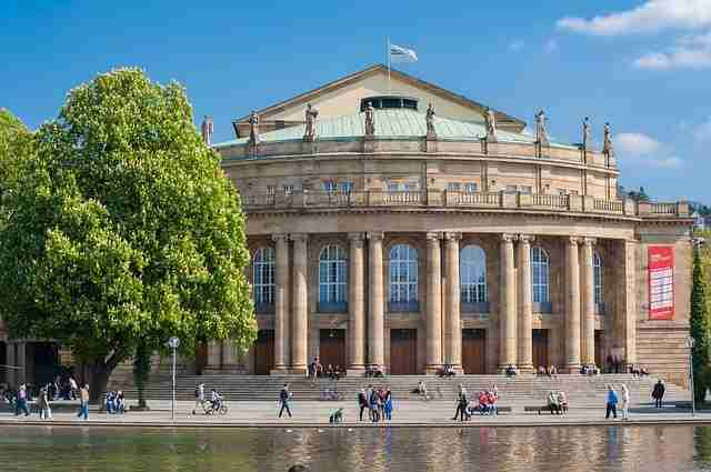 الدراسة والعيش في مدينة شتوتغارت الألمانية